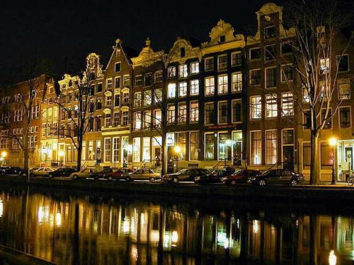 Amsterdam_medium