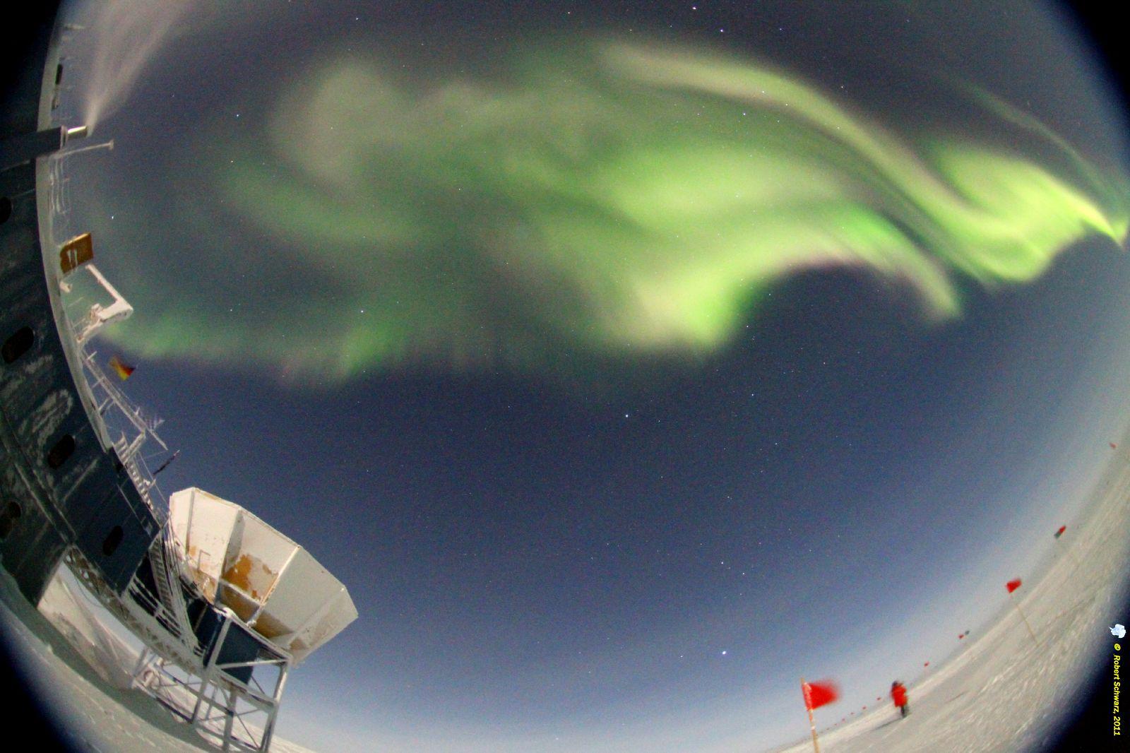 southern-lights-antarctica